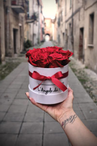 Box rose rosse